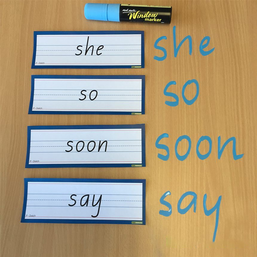 بازی نوشتن کلمات روی میز